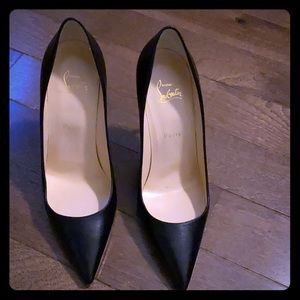 Christian Louboutin size 40.only worn once..